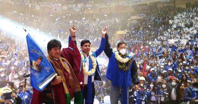 Franklin Flores, Evo Morales and Luis Arce in La Paz April 7th (Photo: Kawsachun News)