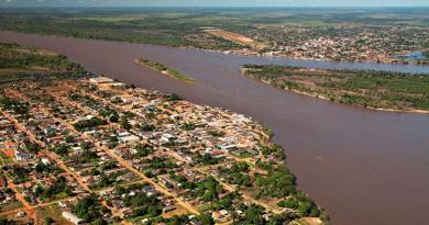 Guajará-Mirim on the left, Guayaramerín on the right (Photo: Guiaviajarmelhor)